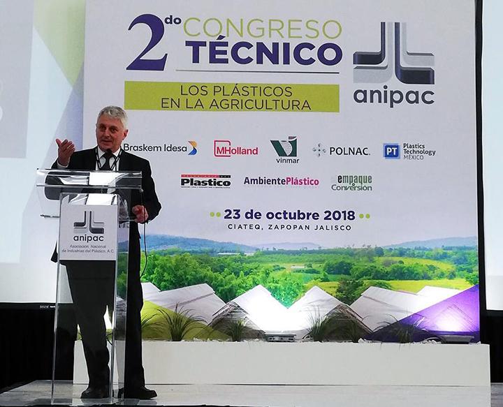 En México buscan impulsar el campo con el uso de plásticos agrícolas