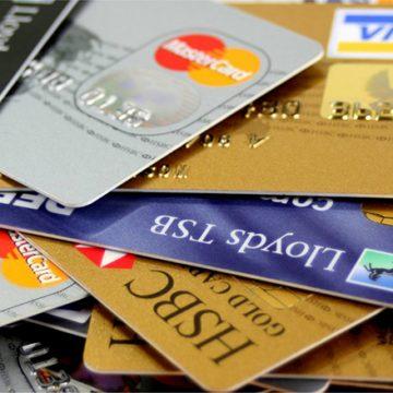 Tarjetas de crédito y débito hechas con plástico Ocean-Bound