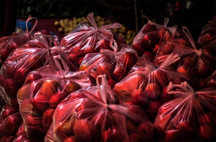 Vuelven las bolsas de plástico a las tiendas de EE.UU.