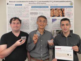 El nuevo bioplástico duradero puede contener líquidos hirviendo