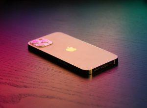 Tritan Renew en la funda protectora del iPhone 12